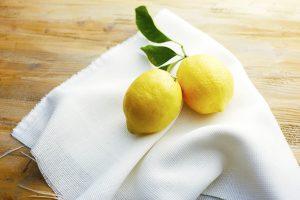 きゅんと甘酸っぱいレモンの果汁をふんだんに使って。